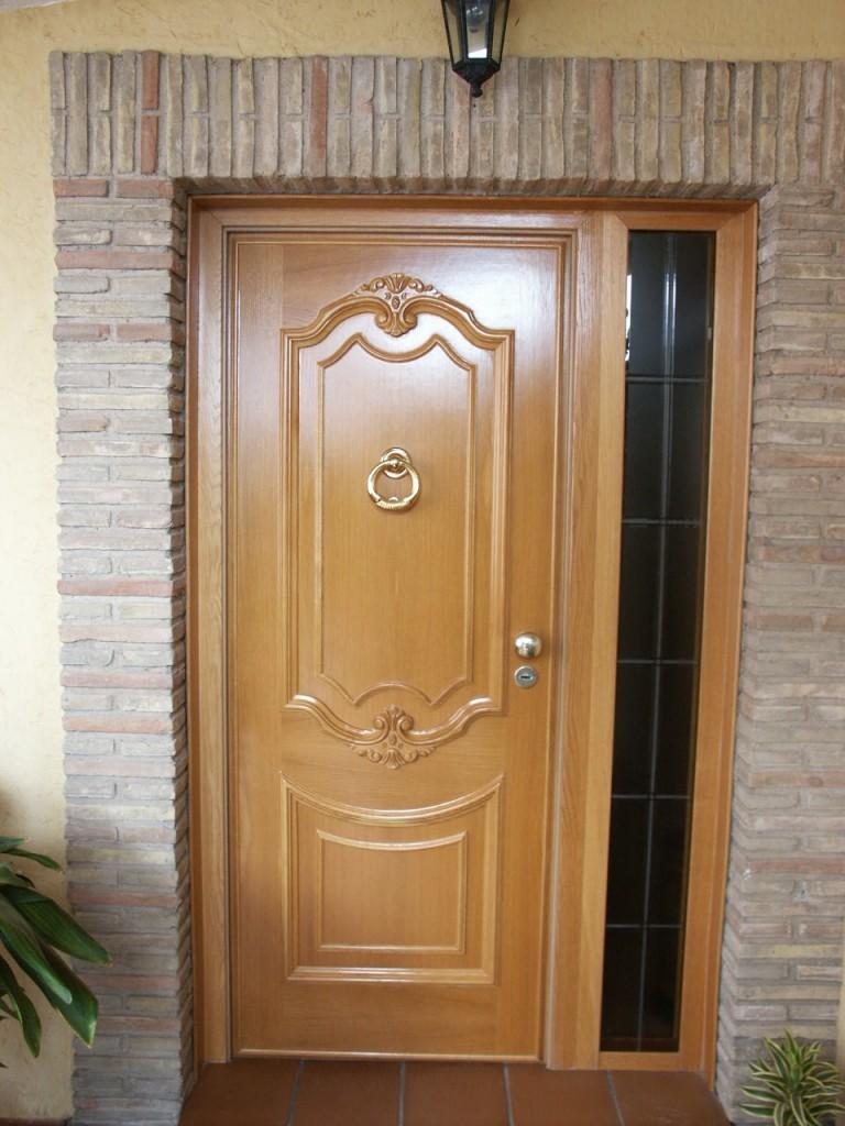 Galer a de fotos y ejemplos de puertas tecemur for Modelos de puertas de madera para dormitorios