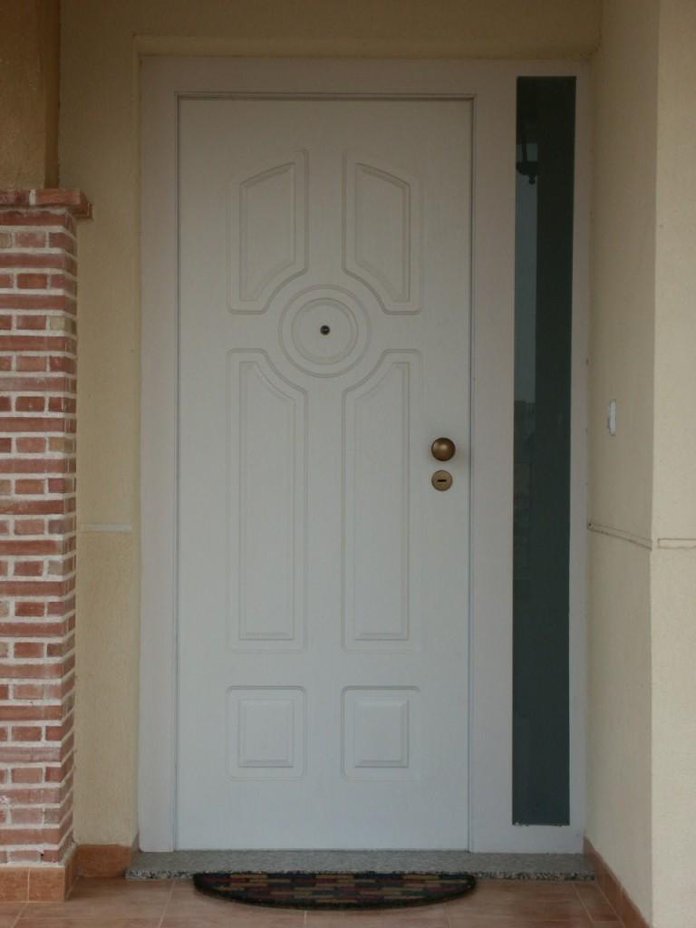 Galer a de fotos y ejemplos de puertas tecemur - Puertas blancas exterior ...