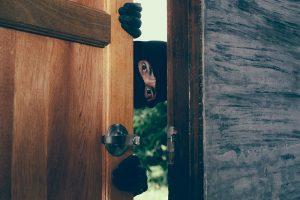 tecnicas-cerrajero-ladrón-apertura-de-puertas