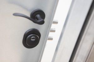 cerradura central puerta acorazada kiuso trastero