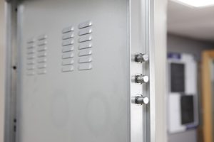 pestillos antirretroceso puerta acorazada kiuso trastero